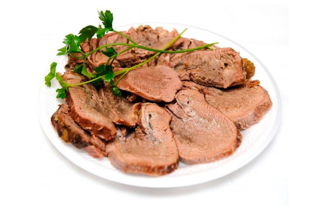 Аппетитный язык из говядины